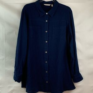 Soft Surroundings Navy Snap front tunic blouse